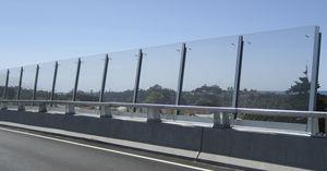Fertigbau-Lärmschutzwand / Beton / für Brückenbau