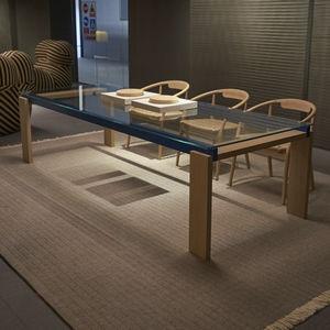 moderner Tisch / Massivholz / aus Nussbaum / Glas