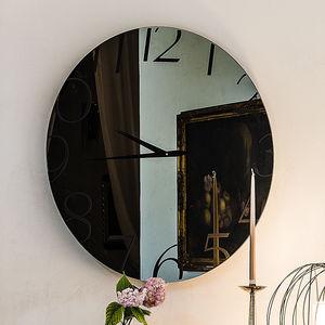 moderne Uhren / Analog / wandmontiert / Glas