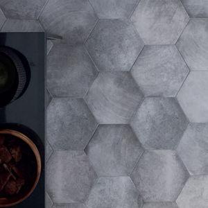 Sechseckige Fliesen / Innenraum