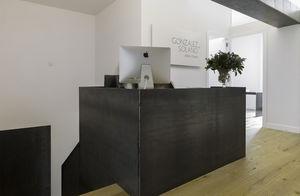Maisonette-Gebäude / individuell / Beton / Glas