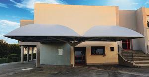 Metallrahmen-Flächentragwerk / für Dächer / mit Polyestermembran / für Schulen