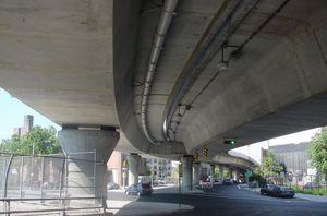 Balkenbrücke / aus Fertigbeton / Spannbeton / modular