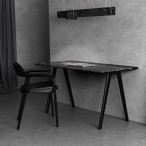 Massivholz-Schreibtisch