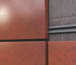 Platten-Fassadenverkleidung / Kassetten / Stahl / gestrichen