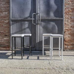 moderner Barhocker / Aluminium / Objektmöbel / Polster