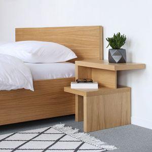 moderner Nachttisch / aus Eiche / aus Nussbaum / Holzfurnier