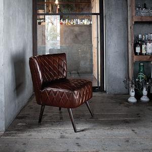 klassischer Sessel / Leder / Massivholz / braun