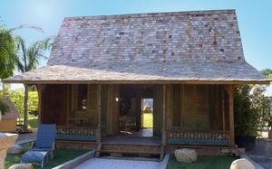 Bungalow-Stil-Haus / modern / aus Holz / mit Terrasse