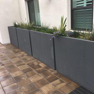 Pflanzkübel aus glasfaserverstärktem Beton
