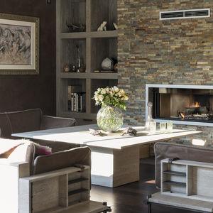 moderner Tisch / aus Eiche / Stein / mit Fußgestell aus Holz