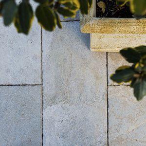 Naturstein-Bodenbelag