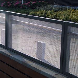 Metallgeländer / mit Stangen / Außenbereich / für Balkon