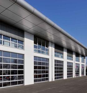 sektionale Industrietore / Aluminium / automatisch / wärmeisoliert