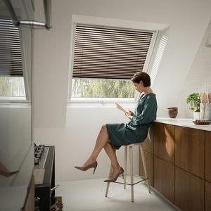 Jalousie-Rollos / lackiertes Aluminium / Sonnenschutz / für Dachfenster