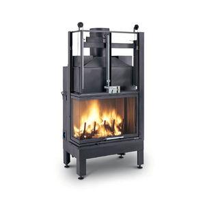 Geschlossene Feuerstelle / Holz / für Ecken / Gusseisen / für wasserführende Kamine
