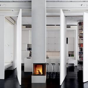 Holzkamin / modern / geschlossene Feuerstelle / 3 Sichtseiten