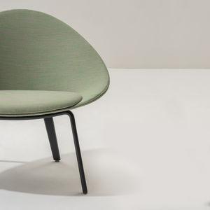 moderner Sessel / Stoff / Leder / Natureiche