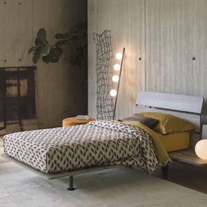Einpersonenbett / modern / Kopfteil / mit Rollen