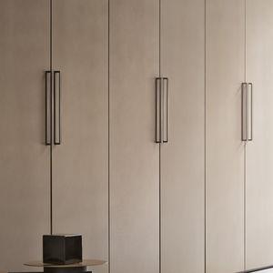moderner Kleiderschrank / Holz / Schwingtüren