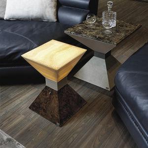 moderner Beistelltisch / hochglanzlackiertes Holz / Metall / Marmor