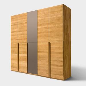 moderner Kleiderschrank / aus Eiche / aus Nussbaum / Massivholz