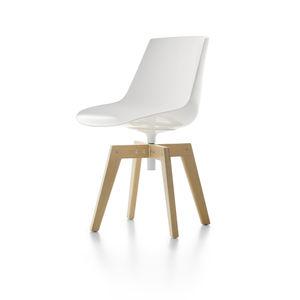 moderner Stuhl / drehbar / aus Iroko / Polycarbonat