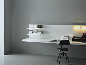 wandmontierter Schreibtisch