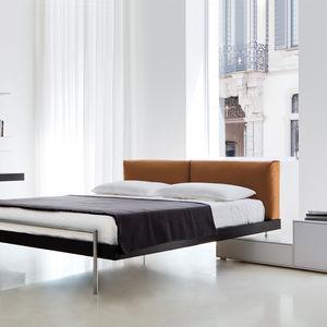 Doppelbett / modern / gepolstertes Kopfteil / aus Esche