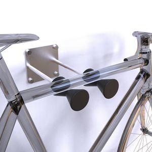 wandmontierter Fahrradständer / Edelstahl / Kunststoff / Objektmöbel