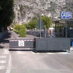 Zutrittsabsperrung / feststehend / Metall / für öffentliche Bereiche