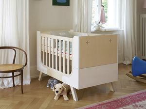 modernes Babybett / Holz