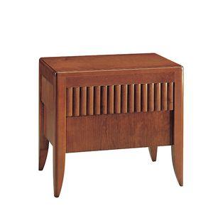 klassischer Nachttisch / aus Nussbaum / aus Kirschbaum / mit Fußgestell aus Kirschbaumholz