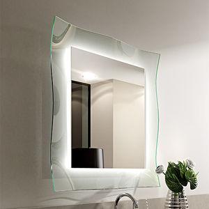 wandmontierter Spiegel / beleuchtet / modern / quadratisch