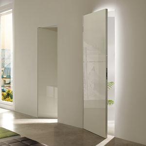 Tür für Innenbereich / einflügelig / mit seitlicher Drehachse / Holz