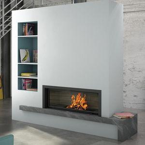 moderner Kamin / geschlossene Feuerstelle / Einbau / Marmor