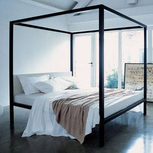 Himmelbett / Doppelbett / modern / gepolstertes Kopfteil