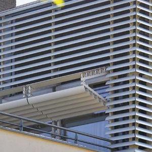 Spanplatte Sonnenschutzlamelle / für Fassaden / vertikal