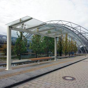 Glasbushäuschen