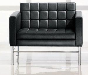moderner Sessel / Stoff / Leder / mit Armlehnen