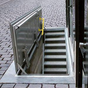Luke für Fußböden / quadratisch / rechteckig / Metall