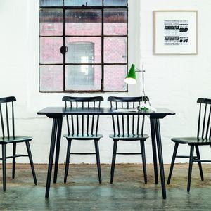 moderner Tisch / aus MDF / mit Fußgestell aus Buche / mit Fußgestell aus Wengé