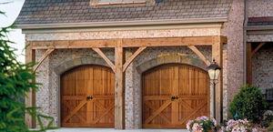 einflügelige Garagentore / Holz / manuell