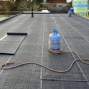 Asphaltabdichtung für Dächer