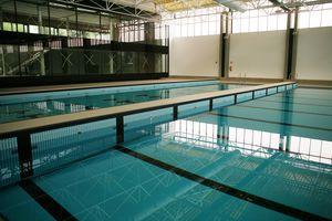 Bewegliche Beckenabtrennung / für öffentliches Schwimmbad / Quer