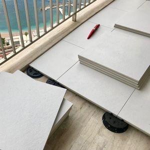 Feinsteinzeug-Doppelbodenplatte