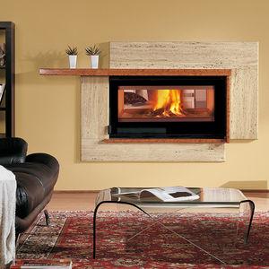 Geschlossene Feuerstelle / Holz