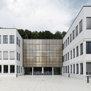 Platten-Fassadenverkleidung / aus Glasfaserbeton / Beton / matt