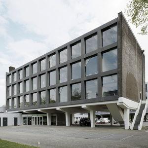 Platten-Fassadenverkleidung / aus Glasfaserbeton / Glasfaser / glatt