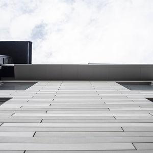 Latten--Fassadenverkleidung